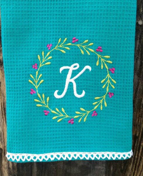 Berry Wreath Font Frame Applique Machine Embroidery Design 2