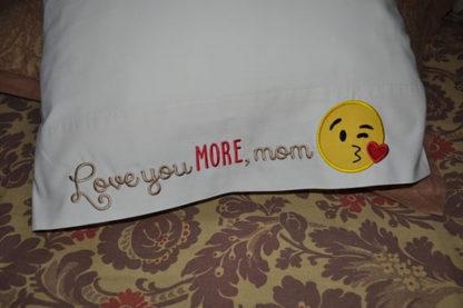Emoji Kiss Face Applique Machine Embroidery Design 3